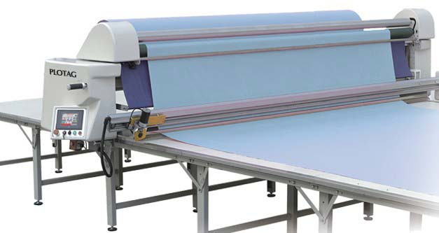 Maquina de enfestar tecido